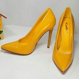 🆕 Alba Mustard Yellow Pointy Toe Pump 6 & 6.5 🆕